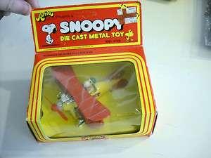 Peanuts SNOOPY DIE CAST WWI BIPLANE TOY MIB unpunched 1975 Aviva