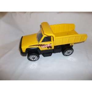 Tonka construction site dump truck     moveable truck bed   excellent