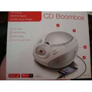 CD Boombox AM/FM Radio dual power MP3 ready: Electronics