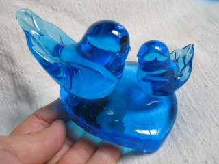 BEAUTIFUL BRIGHT BLUE GLASS BIRDS ON HEART BASE ~~~LEO WARD was the