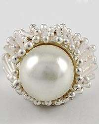 MATTE SILVER & WHITE PEARL Solitaire Oversized Cocktail Stretch Ring