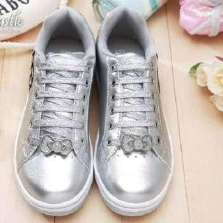 Hello Kitty Ladys Sneakers Low Profile Shoes #910613 w/ KITTY BONUS