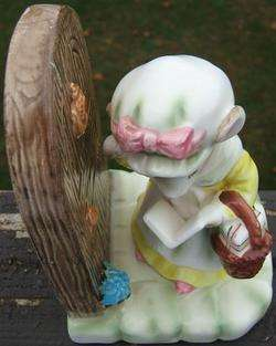 Vinage PRECIOUS MOMENS AVON My Firs Call Figurine |