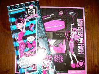 MONSTER HIGH Dead Tired DRACULAURA Doll & COFFIN BED |
