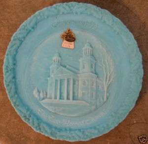 FENTON ART GLASS BLUE PLATE CHRISTMAS IN AMERICA 1972