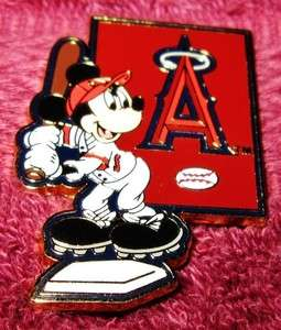 Disney Trading Pin  MICKEY MOUSE   Major League Baseball Player   LA