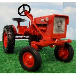 Farmall Cub Collector Edition Farm Toy Tractor: Toys & Games