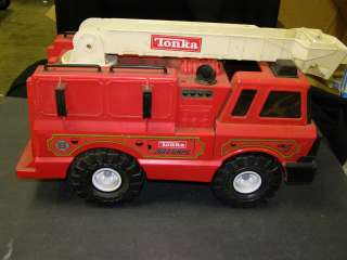 1996 Hasbro Tonka No 5 Red Fire Truck Metal Cab Plastic Body # 90219