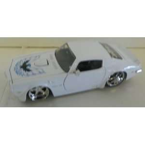 Jada Toys 1/24 Scale Diecast Big Time Muscle 1972 Pontiac