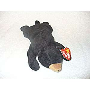TY Beanie Baby   BLACKIE the Black Bear Toys & Games