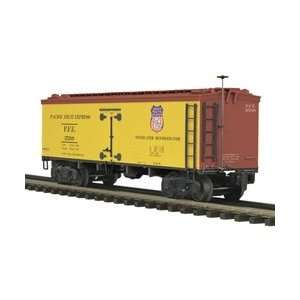 MTH Premier 36 Wood Reefer Pacific Fruit Express Toys & Games