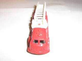VINTAGE TOOTSIE TOY LADDER FIRE TRUCK MADE IN THE USA